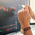 Pád akciového trhu: Kryptomenami proti globálnej ekonomickej volatilite