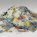 Európske firmy sedia na kope hotovosti