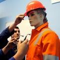 Továrne budúcnosti: Príliš veľa peňazí ide na zručnosti, ktoré pracovníci potrebovať nebudú