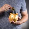 Mladí veria Bitcoinu: Je špekulácia najlepší spôsob, ako si do budúcna našetriť?