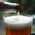 Pivo ako zábavný ekonomický indikátor: Za aký dlhý čas si naň zarobíte?