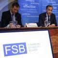 Finančné regulačné orgány robia skvelú prácu, tvrdia finančné regulačné orgány