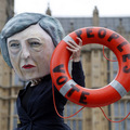 Pred rozhodujúcim hlasovaním Briti hromadia zlato