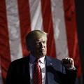 Trump označil euro za podhodnotené a opäť kritizoval menovú politiku Fedu