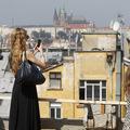 Praha kontra Bratislava: Drahé bývanie, takmer rovnaké zárobky