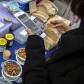 Ďalšie čínske mesto testuje digitálnu menu, rozdá poukazy za vyše 6 miliónov dolárov