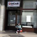 UniCredit predá ďalší balík nedobytných úverov v hodnote 1,09 mld. eur