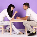Muži vs. ženy: Rozdiely v starostlivosti o deti a domáce práce