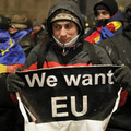 Dátum Brexitu by mohol byť posunutý, libra posilňuje