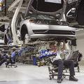Reuters: Slovenským automobilkám svieti varovná kontrolka