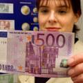 Pred spláchnutím rozstrihnite: 500 eurovky upchali odpadové potrubie, krtkovanie vyšlo na tisíce