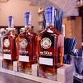 Priaznivá ekonomická situácia: Slovákom chutí zahraničný alkohol, siahajú po prémiových značkách