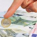 Príjmy finančných poradcov: Sú lepšie provízie, alebo má služby zaplatiť klient?