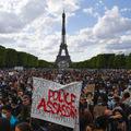 Francúzski demonštranti podpálili centrálnu banku