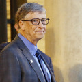 Bill Gates: Vakcínu proti koronavírusu by nemal dostať záujemca snajvyššou ponukou