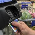 Vyšší limit pri bezkontaktných platbách: 50 eur bez PINu