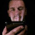 Konečná pre mobilné platby: Neoliberálne ovládnutie ľudského tela
