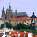 V Česku sa zvyšuje podiel nesplácaných úverov domácnosťami a podnikmi