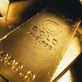 Cena zlata dosiahla nový rekord 1447,40 USD/unca
