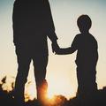 Emocionálna záťaž: Stresujú vás peniaze? Vráťte sa do svojho detstva!