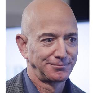 Bezos predal akcie Amazonu za viac ako 3 miliardy dolárov
