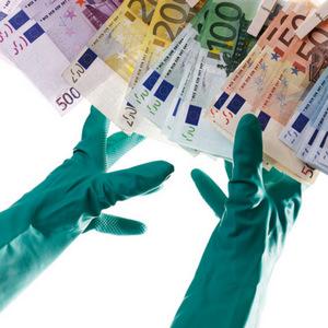 Prečo Európa prehráva boj proti praniu špinavých peňazí
