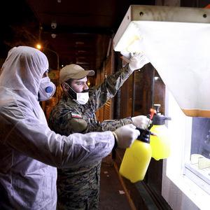 Prevádzkovateľ bankomatov reaguje: Niet dôkazu, že sa vírus prenáša na peniazoch