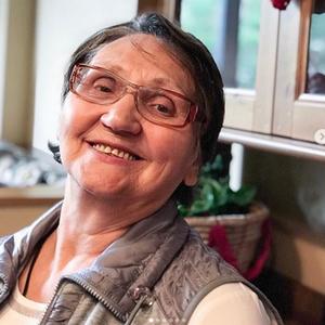 Tu sa necítim ako žobráčka: Ruské babičky si privyrábajú cez internet