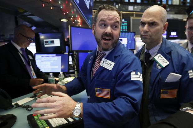 Bohatí investori sa pripravujú na výpredaj na akciovom trhu a ďalšie turbulencie v roku 2020