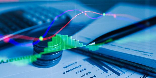 Koronakríza znižuje dividendu, nie však platy top manažérov