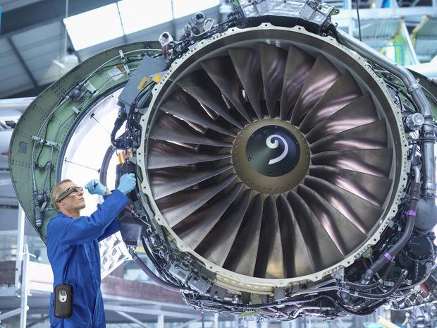 Edge computing a asistovaná realita: Digitalizácia pomôže oživeniu leteckého a obranného priemyslu