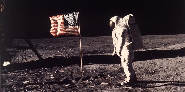 Milión odpracovaných hodín: Vďaka ti, Apollo