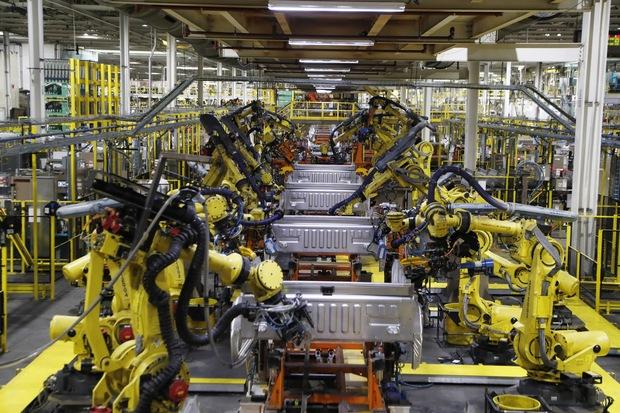 MMF: Slovenky sú mimoriadne ohrozené, technológie prehĺbia rodové rozdiely v zamestnanosti