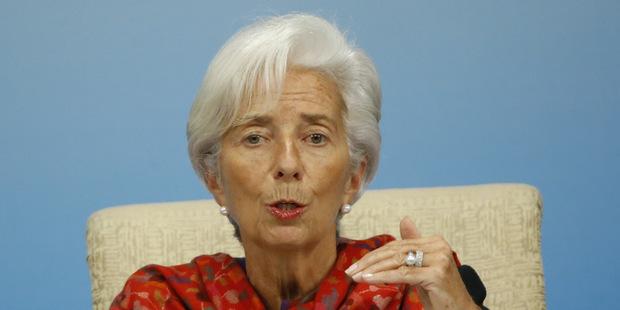 1,3 bilióna dolárov: Trh s pôžičkami sa mení, hrozba kolapsu rastie