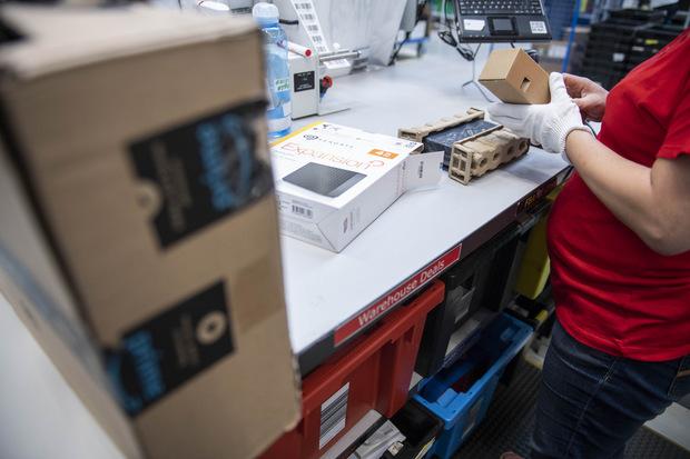 Amazon na Slovensku dvíha platy