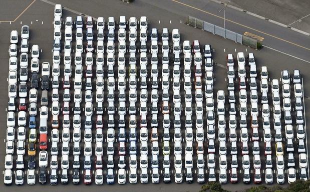 Päť miliárd eur od štátu: Automobilke pomôžeme, ale už žiadne rozširovanie výroby v zahraničí