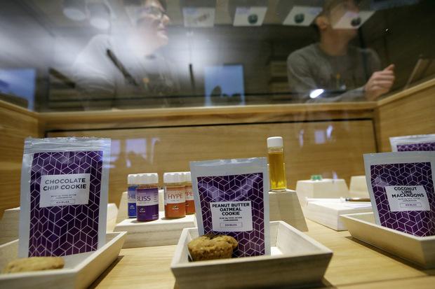 Americké štáty dúfajú, že legalizovanie marihuany vyrieši ich dôchodkovú krízu