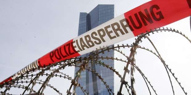 Európske banky v ťažkostiach:  Nie zmraziť, ale riešiť