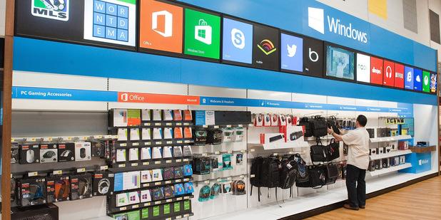 Vlastní akcionári žalujú Microsoft: Firma tajila, že ich tablet bol od začiatku prepadák