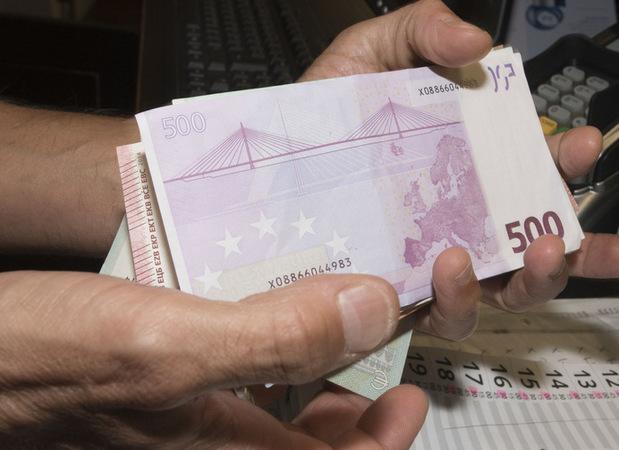 Nízke limity pre platby v hotovosti: Čo je viac, daňový podvod alebo individuálna sloboda?