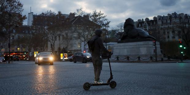 Zdieľaná jazda a regulácia kolobežiek: Nezabíjajme potenciál mikromobility
