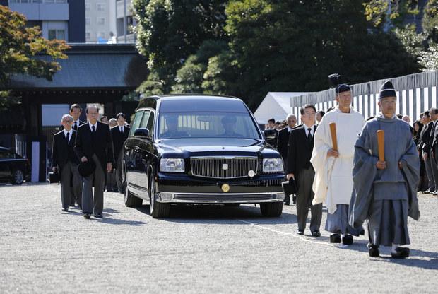 Japonský debut: Nový pohrebný biznis stavia na nedostatku času