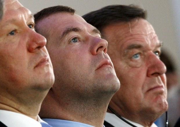 Bývalý kancelár Schröder na čele Rosneftu: Ročný plat 350 000 USD