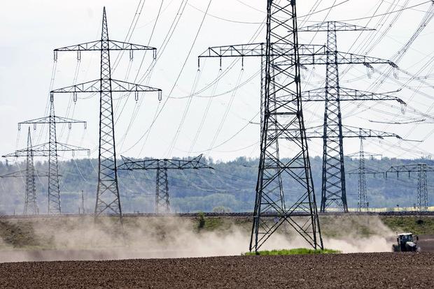 Analýza: Sucho poškodzuje ekonomiku, ale pomáha solárnym elektrárňam a technologickým startupom