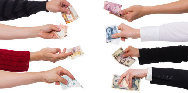 Keď vyváženosť absentuje: Prečo voľný obchod a plávajúce meny nejdú dohromady