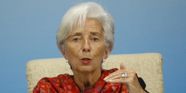 MMF: Vlády by mohli ušetriť bilión dolárov na daniach obmedzením korupcie