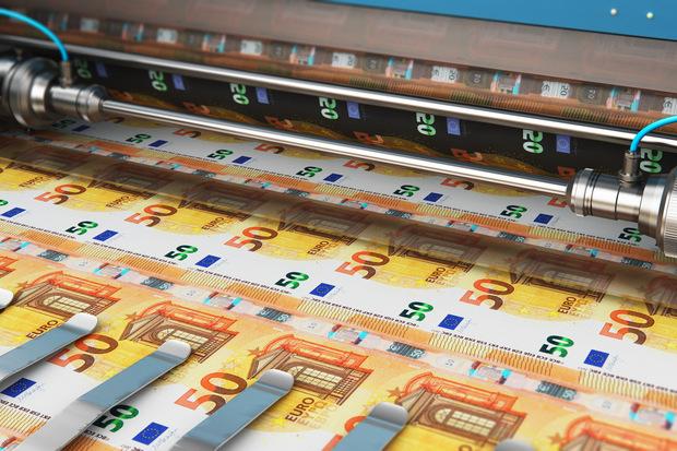inflácia, peniaze a dostatok kapacity