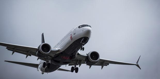 Piloti sa sťažovali na problémy s Boeingom 737 Max už niekoľko mesiacov pred smrteľnými nehodami