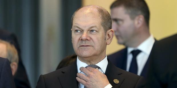Bavorský premiér: Drobní sporitelia by nemali mať negatívne úročené vklady