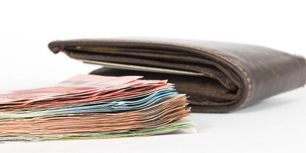 Väčšina štúdií ukazuje na negatívny vplyv rastu minimálnej mzdy